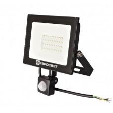 Светодиодный прожектор с датчиком движения ЕВРОСВЕТ 30W, 6400K